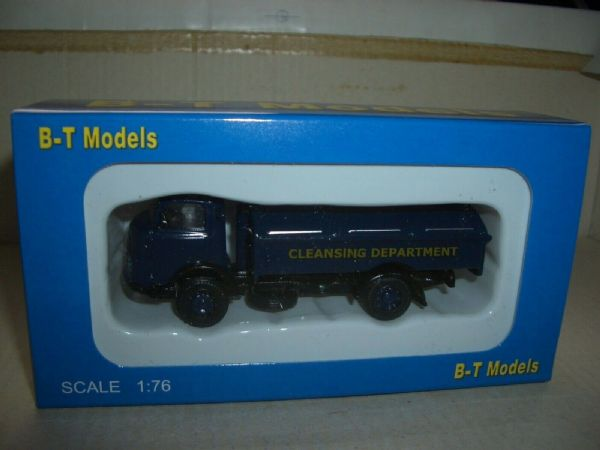 B T Models A009B 1/76 OO Karrier Bantam Refuse Department Dustcart Blue